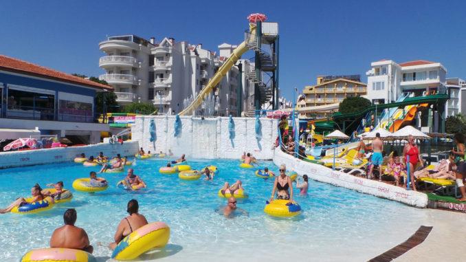 Marmaris Atlantis Su Parkı Dalga Havuzu
